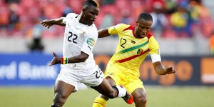 Ghana's Wakaso and Mali's Keita fight for the ball during their African Nations Cup soccer match in Port Elizabeth