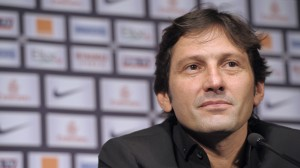 diretor-esportivo-do-psg-leonardo-da-entrevista-coletiva-para-anunciar-que-carlo-ancelotti-assumiu-o-comando-da-equipe-1326114517307_1920x1080
