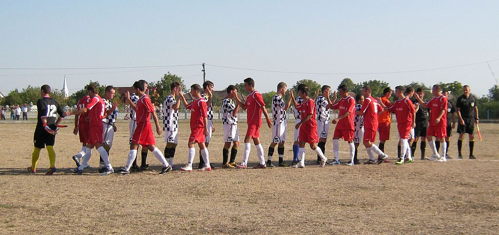 Echipa de fotbal Sageata Popricani, din Liga IV-a, cauta jucatori pe internet!