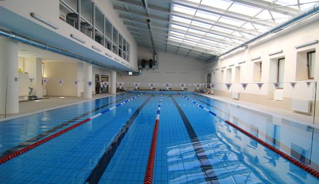 Razvan Florea si-a inaugurat bazinul de natatie de la Constanta in valoare de 600.000 de euro!