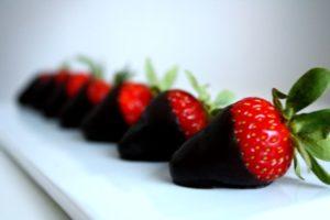 dark-chocolate-strawberries-2