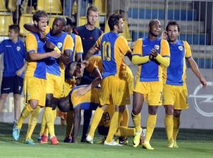 Lupii galbeni au debutat cu dreptul! FC Brasov - Petrolul 0-1!