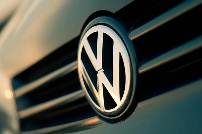 Ce trebuie sa STIE toti romanii cu Volkswagen: doi PRODUCATORI auto ofera sume MARI daca iti schimbi masina! Cati BANI poti CASTIGA!