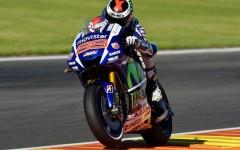 Cursa IREALA pentru Rossi in finala MOTO GP. Dar Lorenzo a facut o cursa PERFECTA. Cine e noul CAMPION MONDIAL si FILMUL cursei sezonului