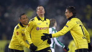 Borussia Dortmund's da Silva, Lewandowski and le Tallec celebrate a goal against Karpaty Lviv during the Europa League Group J soccer match in Dortmund