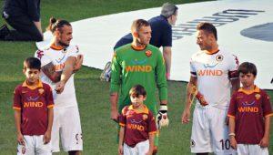 Leandro_Castán,_Osvaldo,_Lobont,_Totti