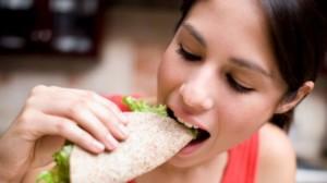 woman_eating_640