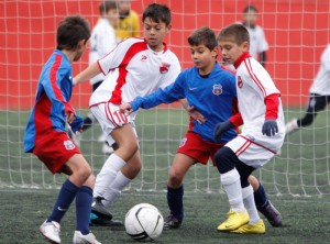 LPF primeste aproape UN MILION de euro de la UEFA pentru centrele de copii si juniori!